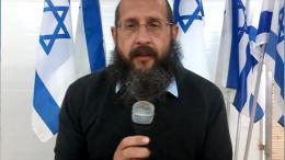 """Résultat de recherche d'images pour """"photos du rav 'haïm dynovisz sur la tombe de Ben Gourion dans le Negev"""""""